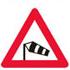 Færdseltavle advare om sidevind